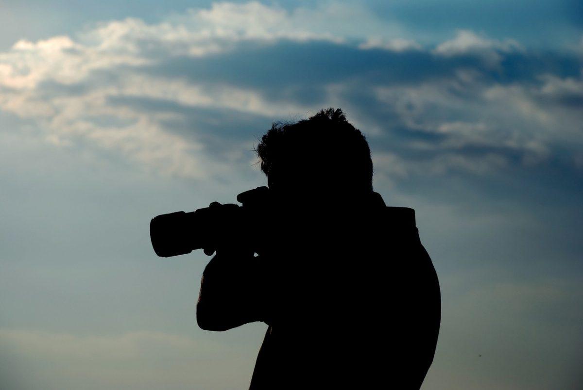 Czy warto samemu robić zdjęcia do paszportu?