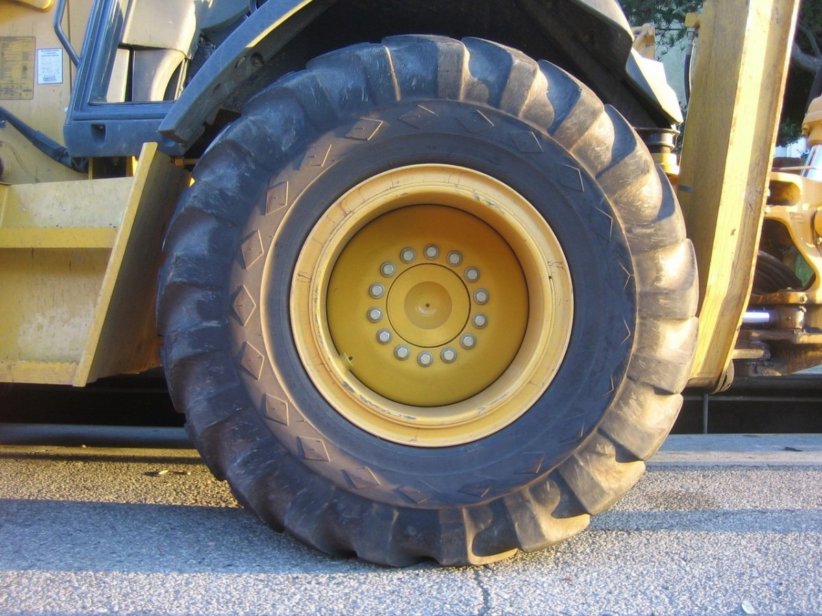 Liczne zagrożenie związane z zawodem kierowcy samochodów ciężarowych